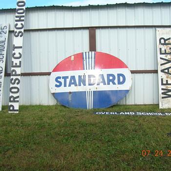 Standard oil sign - Petroliana