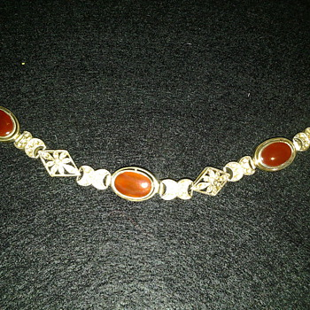 Is this Scottish agate? Carnelian? Victorian Edwardian? It is stamped 925 inside clasp saying MRF