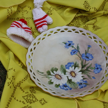 Blue flowers hand painted and markings  plate   Yellow flowers hand painted and markings plate - China and Dinnerware