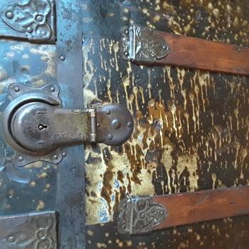 Antique metal bound steamer trunk - Furniture