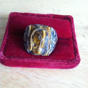 Antique Men's Cameo Ring - Gold