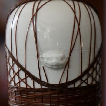 Very finely detailed & wrapped vase - Dehua, Blanc de Chine, Awaji? - Asian