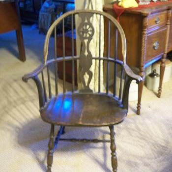 Wheel back Windsor chair - Furniture