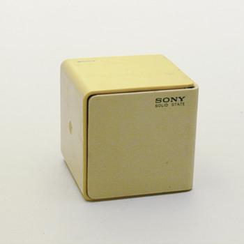 SONY cube radio TR-1825K - Radios