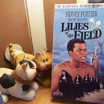 """VHS,"""" LILIES OF THE FIELD"""", ACADEMY AWARD FOR SIDNEY POITIER, 1963 - Christmas"""