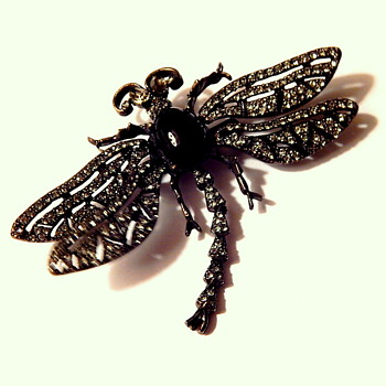 Heidi Daus trembler dragonfly brooch - Costume Jewelry