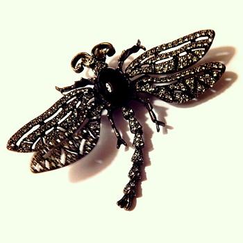 Heidi Daus trembler dragonfly brooch - Costume Jewelry