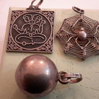 1970sSilver bracelet & charms