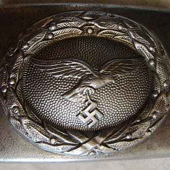 WW2 German belt-buckle - Military and Wartime