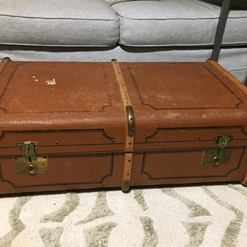 Band steamer trunk  - Furniture