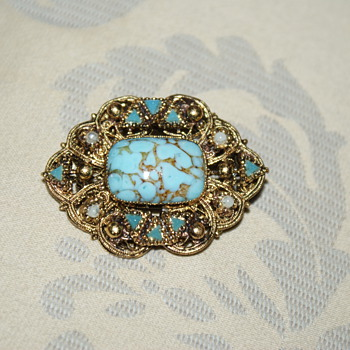 Hubbell Glass Vintage Brooch? - Costume Jewelry