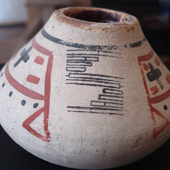 INDIAN SMALL VASE? - Pottery