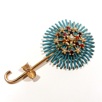 Vintage enameled pin with rhinestones - Costume Jewelry