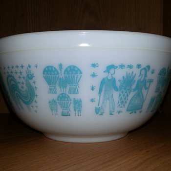 Vintage Pyrex Dishes in Butterprint Design - Kitchen