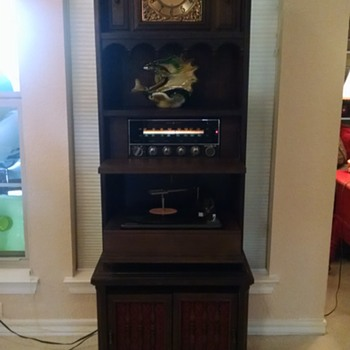 Upright General Electric Clock, Radio, Record Player - Electronics