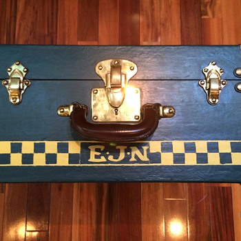 (Malle) Bernard French Trunk 1920's or 30's 1/4 size cabin - Furniture