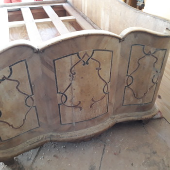 Twin inlaid single beds