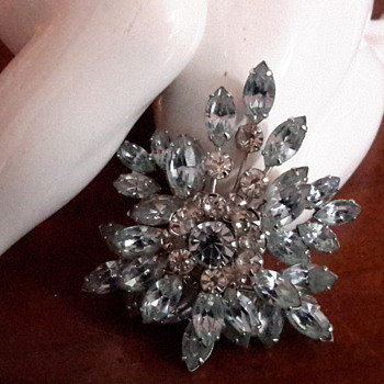 1950s Simpson brooch - Costume Jewelry