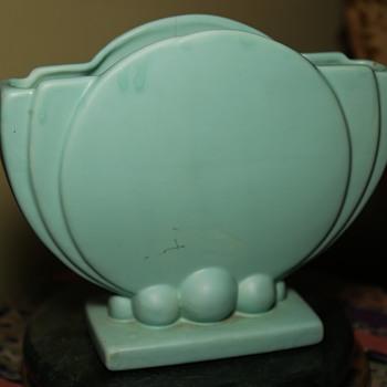 Vintage Haeger Matte Blue Art Deco Style Blue Fan Vase, 1946 - Pottery