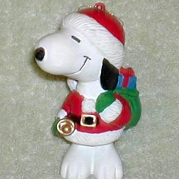 2001 - Snoopy Santa Ornament