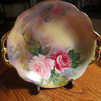 "Noritake Green ""M"" in the Wreath Gold Handle Bowl 9"" - China and Dinnerware"