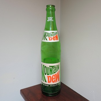 1977 Mountain Dew Soda Bottle ACL Green Glass 16 Ounces Pint Returnable Vintage - Bottles