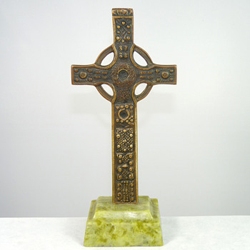 St John's Cross Iona (and A Christmas Toast to Everyone) - Arts and Crafts