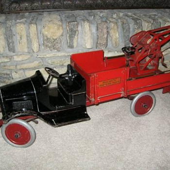 1920's Buddy L Wrecker with most of it's original decals - Model Cars
