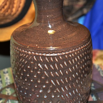 Handmade  Vase with Incisive Decoration - unsigned. - Pottery
