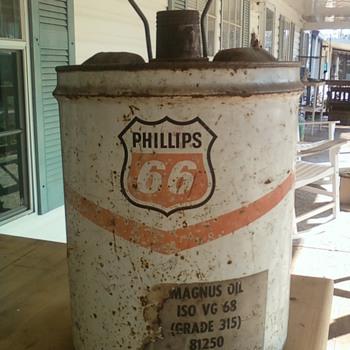 5 Gallon Phillips 66 Oil can. - Petroliana