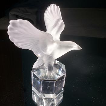 Stunning little find in a UK boot sale, Goebel German Modern Glass Bird - Art Glass