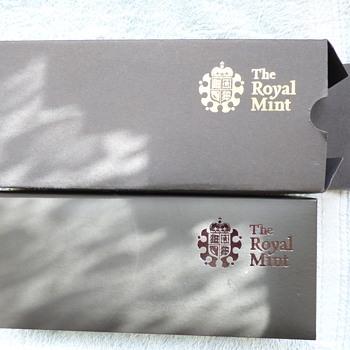 2009-royal britannia silver coin set