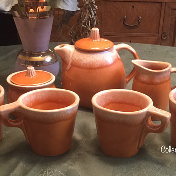 Hull Pottery (Mug) Tea Set — Tangerine - Pottery