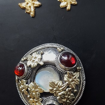 Arts and crafts moonstone, garnets, silver golden leaves brooch part 2. - Fine Jewelry