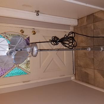 Help identify this old pedestal fan please