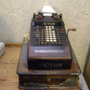 1919-1920 Victor Cash Register - Coin Operated