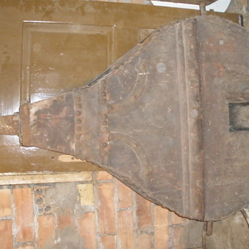 A 200 YEARS BELLOWS and Many other valuable collectible things that i have...