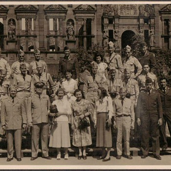 1954 - U.S. Army group at Heidelberg Castle - Photographs