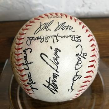 Oakland Athletics autographed ball - Baseball