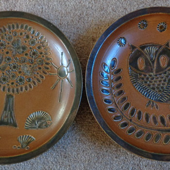 my two stoneware plates - Pottery