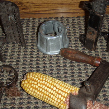 hand held corn shellers - Tools and Hardware