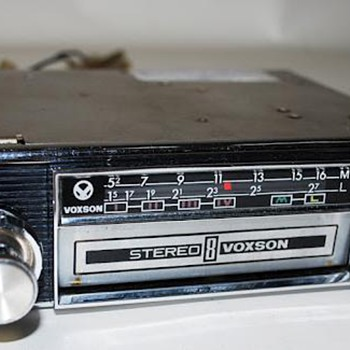 indash 8-track car stereos for (mainly italian!) vintage cars