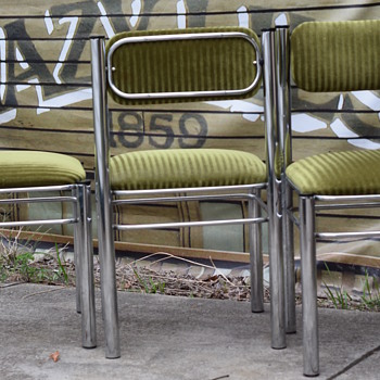 art deco/ mid century  chrome tubuler steel side chairs with pivoting backrest. Original green velvet/corduroy upholstery
