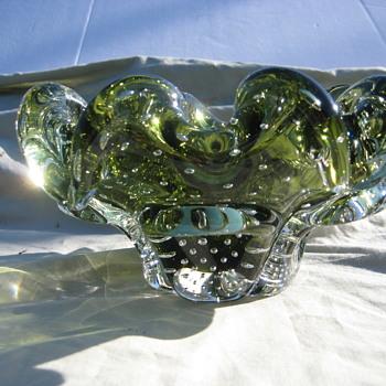 Green bullicante ruffled bowl - Art Glass