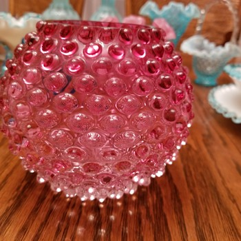 Cranberry hobnail rose bowl - Glassware