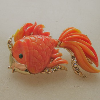 Plastic Goldfish pin: Hattie Carnegie, Boucher or KJL style - Costume Jewelry