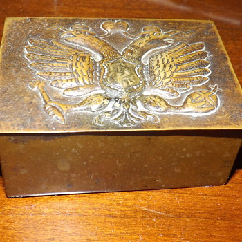 GRANDFATHER'S SMALL TIN BOX - Accessories