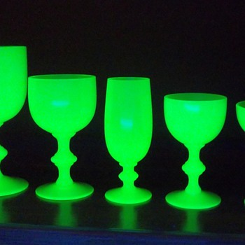 Portieux Vallerysthal Yellow Opaline Vaseline Goblets Is this the Complete set? - Glassware