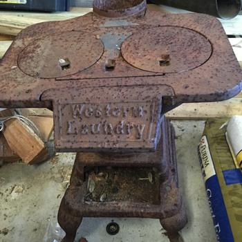 Western Laundry cast iron stove - Kitchen