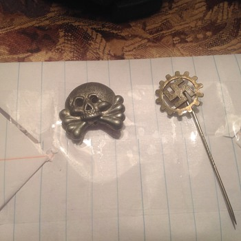I have found these two pins I don't know what they are or if there real or a toy can anyone help - Military and Wartime